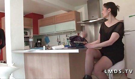 性感的继母照顾女儿的BF